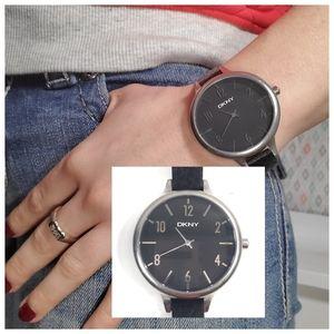 DKNY NWT Women's Black Dial & Leather Watch